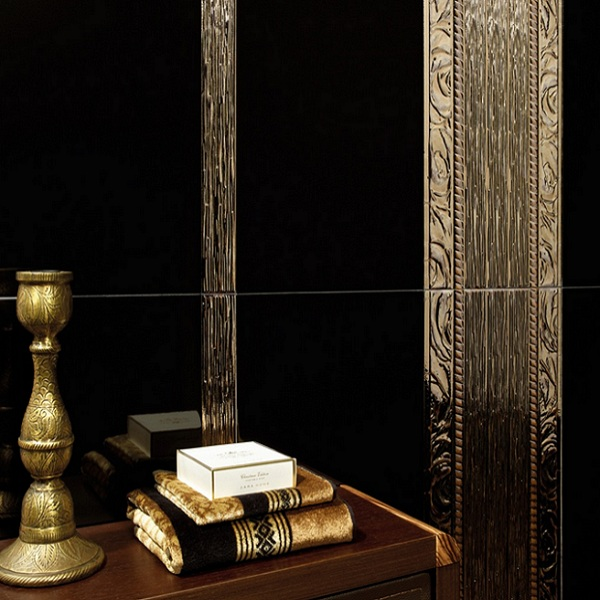 Златисти плочки за дворцова баня Karlovy Gold / Black Alcalaten (Испания)