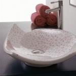 Мивка за баня тип чиния - украса розови цветчета