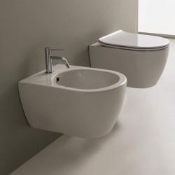 Окачена тоалетна чиния Moon с ултра тънка седалка
